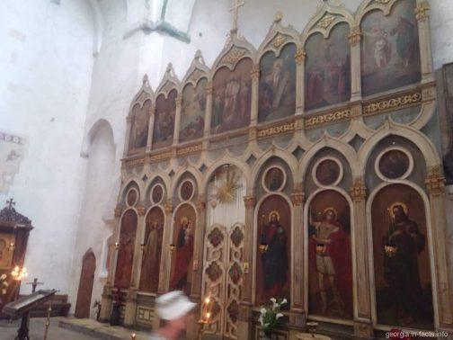 Алтарь в Успенском храме