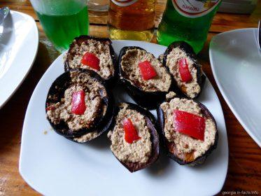 Баклажаны с орехами в ресторане Аджарии