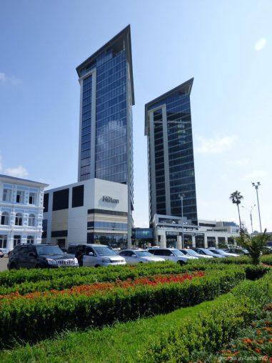Башни отеля Hilton в городе Батуми