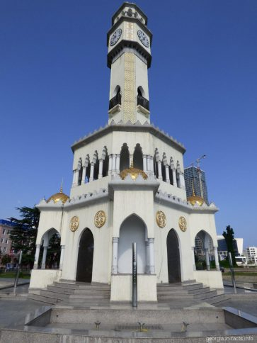 Часовая башня города Батуми