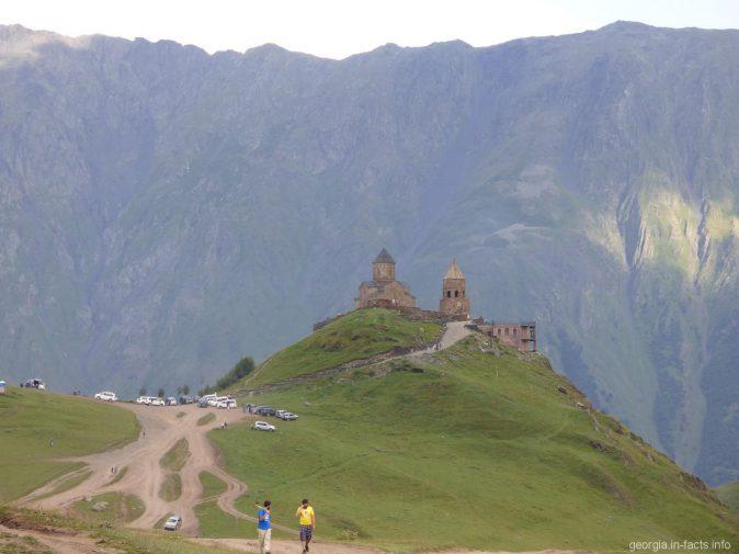 Дорога к церкви Гергети