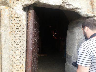 Двери в Гергети