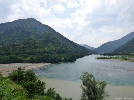 Экскурсия по горной Аджарии - место слияния двух рек