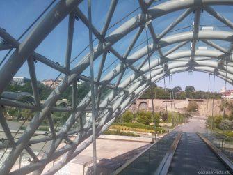 Элементы конструкции моста Мира в Тбилиси