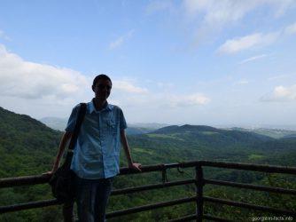 Фото на фоне гор в Сатаплия