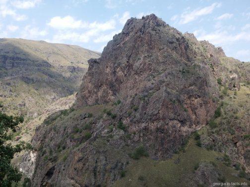 Горы по дороге в Вардзию