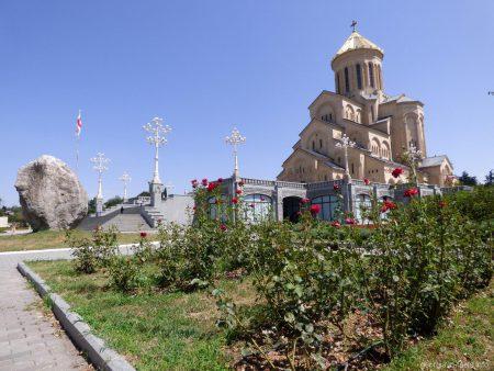 Храм Самеба в Тбилиси
