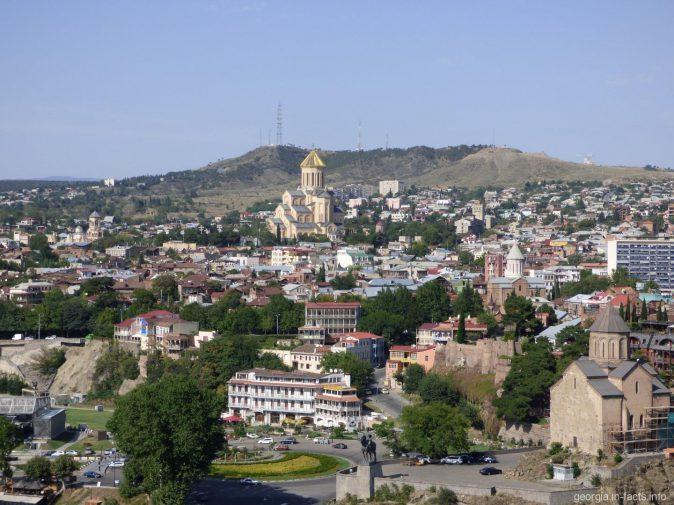 Храм Самеба в районе Авлабар, Тбилиси