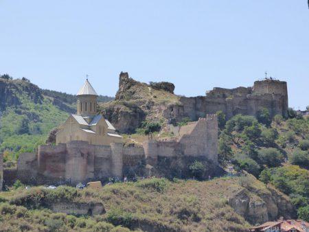 Храм Святого Николая рядом с крепостью Нарикала в Тбилиси