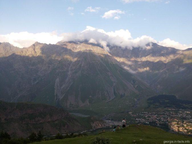 Красивые горы рядом с Гергети