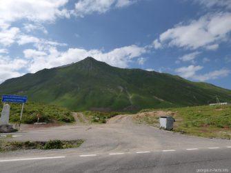 Крестовый перевал на Военно Грузинской дороге