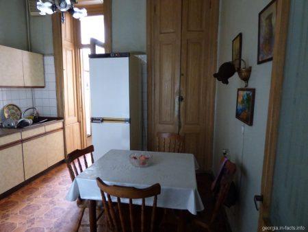 Кухня в гестхаусе города Тбилиси