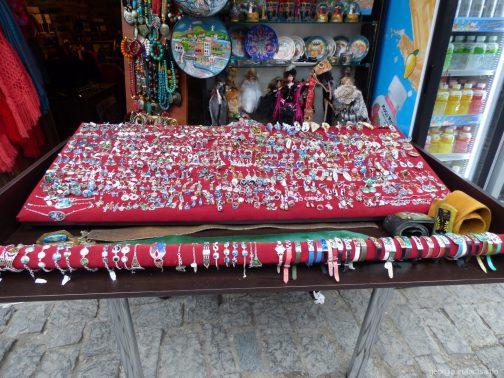 Минанкари на местном рынке недалеко от храма Светицховели, Грузия