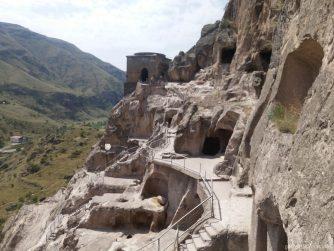 Монастырь Вардзия рядом с поселком Ахалцихе