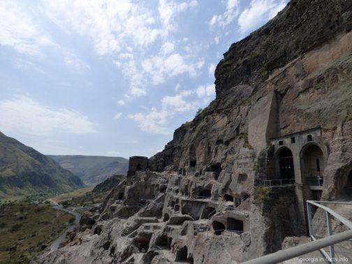 Монастырь и пещерный город Вардзия