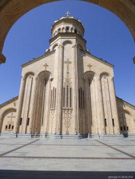 На территории Самеба в Тбилиси
