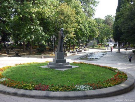В парке 9 апреля в Тбилиси