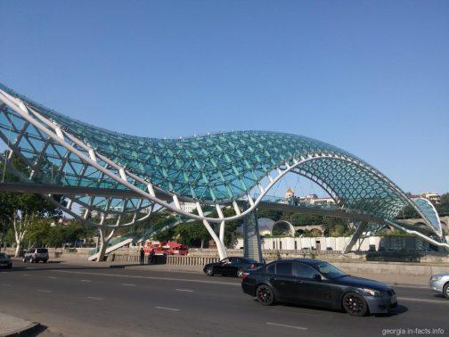Новый мост Мира в Тбилиси