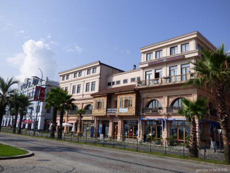 Отели и частный сектор в Старом Батуми