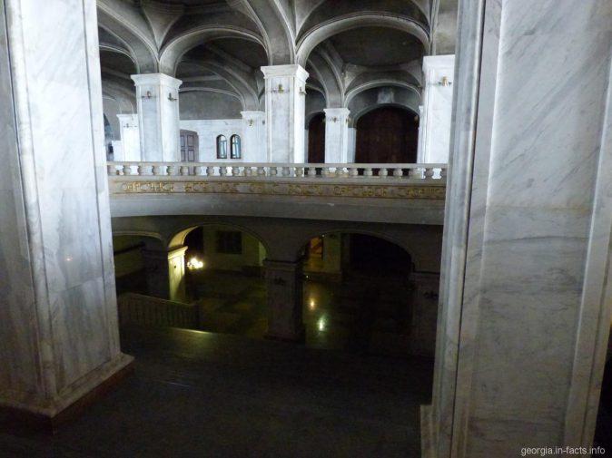 Первый подземный этаж Собора Святой Троицы в Тбилиси