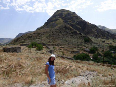 Пейзажи рядом с крепостью Хертвиси