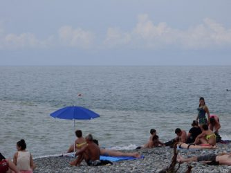 Пляж Батуми в пасмурную погоду