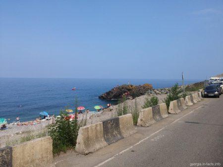 Пляжная полоса поселка Сарпи