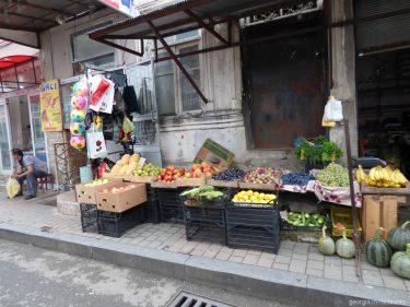 По дороге к продуктовому рынку в Батуми