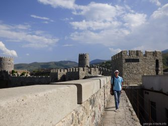 По стенам крепости Рабат в Ахалцихе