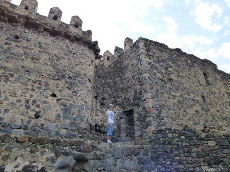 Подняться на крепостные стены Хертвиси