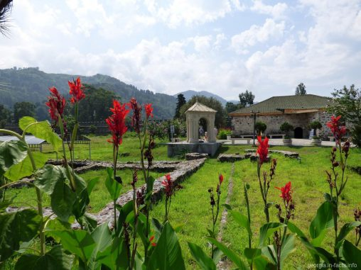 Предположительно могила апостола Матфея на территории крепости Гонио