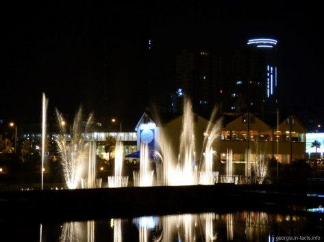 Шоу поющих фонтанов в Батуми