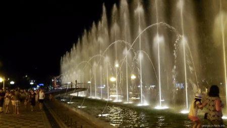 Шоу танцующих фонтанов в Батуми