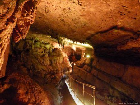 Сатаплия заповедник и пещера