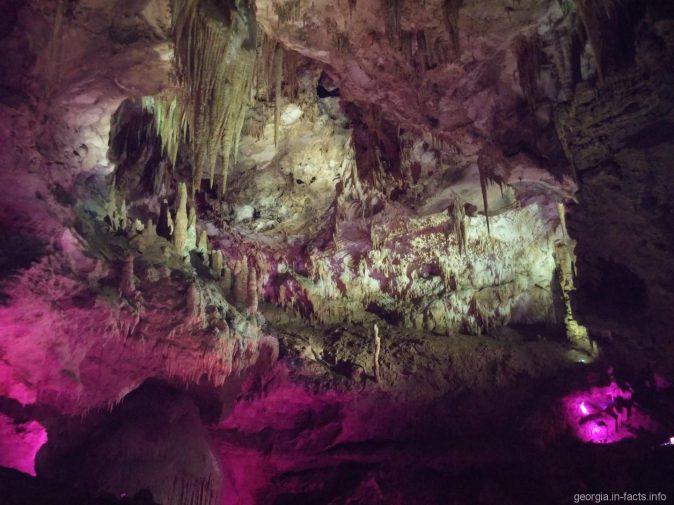 Сказочный зал в пещере Прометея, Грузия