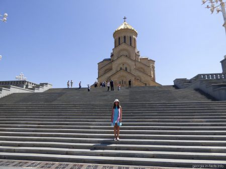 Собор Цминда Самеба в Тбилиси