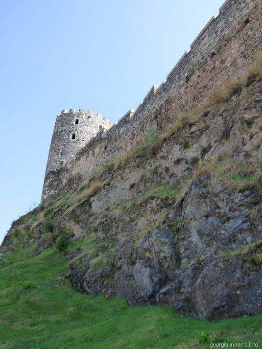 Стена крепости Рабат в Ахалцихе