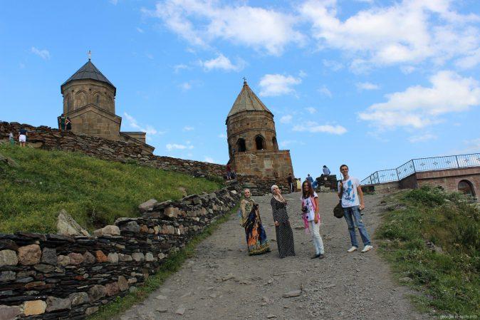 Церковь Гергети около поселка Степанцминда