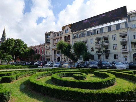 Театральная площадь в Батуми