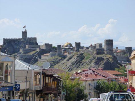 Территория крепости Рабат в Ахалцихе