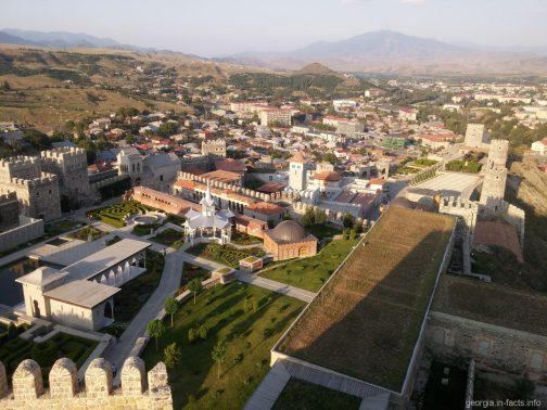 Территория крепости Рабат в Ахалцихе с цитадели