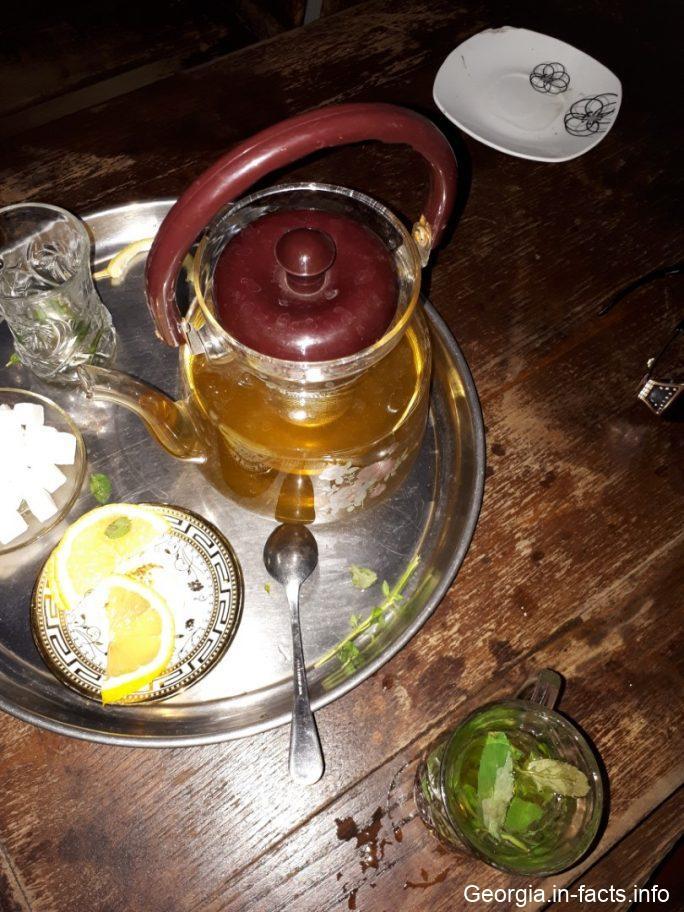 Травяной чай в серных банях Тбилиси