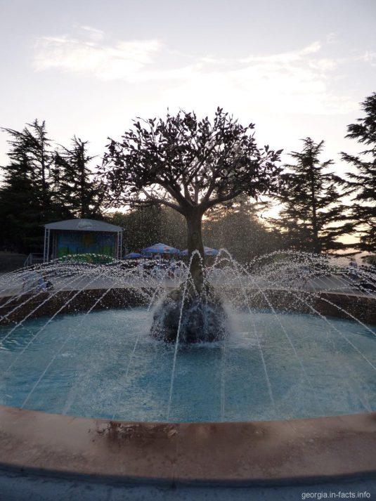 В парке Мтацминда в Тбилиси