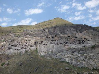 Вардзия   монастырь в скале рядом с Ахалцихом