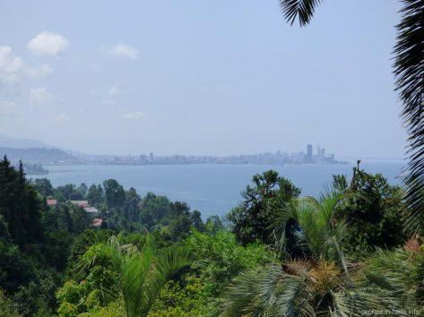 Вид на Батуми из ботанического сада