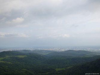Вид на Кутуаиси от заповедника Сатаплия