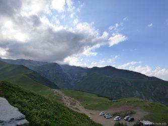 Вид на горы рядом с Гергети