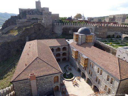 Вид с одной из башен крепости Рабат в Ахалцихе