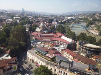 Виды с кабинки канатной дороги в Тбилиси