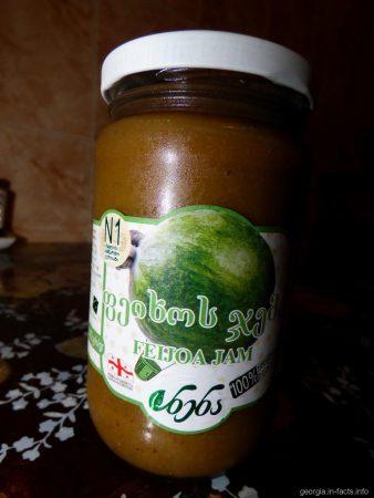 Вкусный и полезный джем из фейхоа, привезенный из Грузии